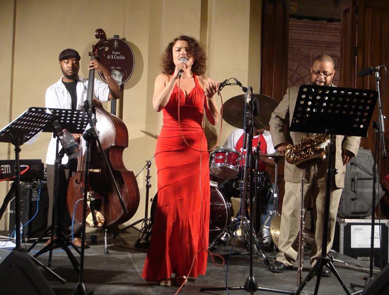 "La ""Female Jazz Vocalist of the Year"" Roberta Gambarini"