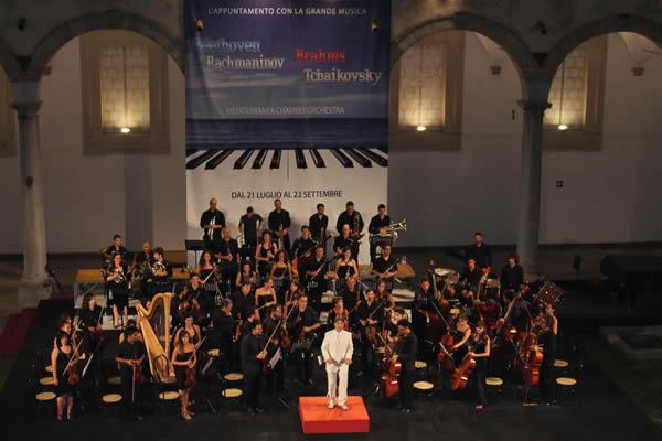 La Mediterranea Chambre Orchestra diretta dal maestro Joachim Jousse