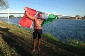 Palermo – L'atleta palermitano Mauro Giaconia, centra un nuovo incredibile obiettivo, supera se stesso e il suo precedente Record dei 101 km di nuoto realizzato in Cile nel 2009. Adesso arriva al traguardo della 150k Ultra Ebro Marathon Swim e si conferma, con questa nuova impresa in acque libere, tra i più grandi ultra maratoneti
