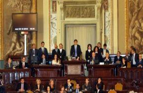 """Palermo – L'Assemblea regionale siciliana nella seduta di oggi, 12 agosto 2013, presieduta dal Presidente Giovanni Ardizzone, ha approvato con 48 voti favorevoli, 12 contrari e 1 astenuto il disegno di legge """"Modifiche all'articolo 128 della legge regionale 12 maggio 2010, n. 11 e successive modifiche ed integrazioni ed iniziative in favore degli enti teatrali"""