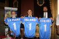 Palermo –Si è tenuta a Villa Niscemi la conferenza stampa di presentazione del match di football americano Svezia – Italia. La partita, che si è giocata il 27 luglio presso il CUS, è stata organizzata in occasione dei 15 anni dalla fondazione dell'IFAF (Federazione Internazionale di Football Americano) a Palermo. Alla conferenza stampa sono intervenuti