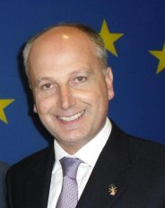 Parlamento_Europeo_fiaccolata_ARTICOLO_3