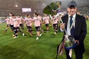 I record, si sa, sono fatti per essere battuti. Il Palermo ci ha provato e ci è riuscito, superando di 1 punto quello stabilito dalla Juventus di Didier Deschamps in serie B, nella stagione 2006-07. Un solo punto, quanto basta per passare alla storia e risollevare morale, entusiasmo e voglia di ritornare al Renzo Barbera
