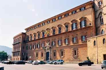 Per una notte Palazzo Reale a Palermo teatro di arte, natura, musica e spettacolo