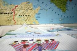 LAMPEDUSA – A un anno dalla tragedia del 3 ottobre, quando, al largo di Lampedusa, persero la vita 368 migranti nel tentativo di raggiungere l'Italia, parte oggi nell'isola pelagica, Sabir, il Festival diffuso delle culture mediterranee. Voluto dal sindaco Giusi Nicolini e organizzato da Arci, Comitato 3 ottobre e Comune di Lampedusa, con il patrocinio