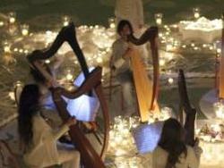 CATANIA – La luce inonda di Bellezza e travolge con la sua forza dirompente chiunque incroci il suo cammino. La sua capacità maieutica è tale da indurre ogni uomo e artista ad abbracciare un percorso di purificazione e crescita spirituale da compiere attraverso un rito, il Rito della luce. Così, dalla penna di uno scrittore