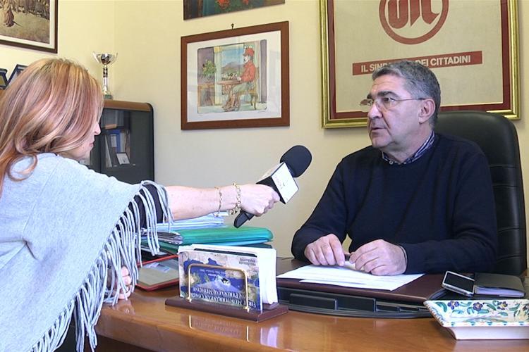 Palermo – Abbiamo incontrato il segretario regionale UIL Sicilia, Claudio Barone, presso la sede della Uil Sicilia. Il segretario ci ha parlato della imminente manifestazione nazionale del primo maggio che si terrà quest'anno in Sicilia, a Pozzallo, e che vedrà la presenza dei più alti vertici dei sindacati confederali CGIL, CISL e UIL, rispettivamente i