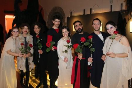 La Compagnia teatrale Fiori di Carta con Virginia Ryan