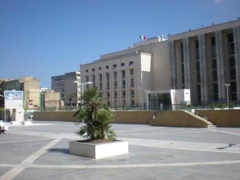 palazzo-di-giustizia-crisi-dello-stato