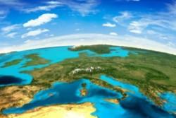 C'è uno spazio che rappresenta più di ogni altro i punti di unione e di divisione tra le diverse civiltà del globo, uno spazio che continua ad essere la più grande area di incontro per il commercio e il mercato internazionale: il Mar Mediterraneo, un mare che unisce e divide, luogo di incontro per tantissime