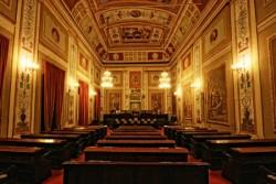 Palermo, 3 nov. Come annunciato nei giorni scorsi il presidente della Regione siciliana Rosario Crocetta, ha nominato i componenti della giunta regionalesulla base di un rapporto di collaborazione leale con i partiti e le formazioni politiche della coalizione, a livello regionale e nazionale. All'interno della composizione della giunta ci sono anche alcune competenze tecniche confermate
