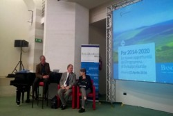 Alcamo (TP) – Un incontro per discutere del PSR 2014-2020 e delle nuove opportunità del Programma di sviluppo rurale. Organizzato da Banca Don Rizzo, l'incontro si è tenuto oggi pomeriggio Alcamo presso il Centro Congressi Marconi (Corso VI Aprile). Un'occasione per discutere della programmazione europea che assegnerà oltre 2 miliardi di euro alle imprese agricole