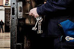 Detenuto rumeno aggredisce assistente capo nella Casa circondariale Petrusa di Agrigento
