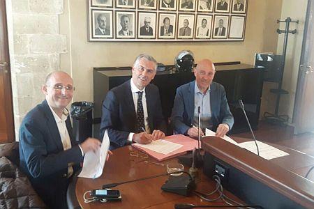 da sx il Presidente Ersu Firenze, il Rettore Micari, il Direttore Regionale Ag del Demanio Lombardi urlimmagine social
