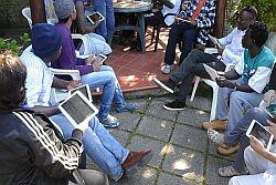 Una piattaforma multimediale per consentire accesso ai migranti a tutti i servizi per accoglienza