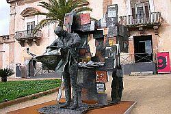 Per la prima volta al pubblico L'EDICOLA, unica scultura modellata da Renato Guttuso